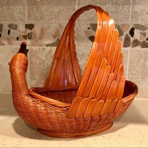 Vintage Duck Basket with neck injury